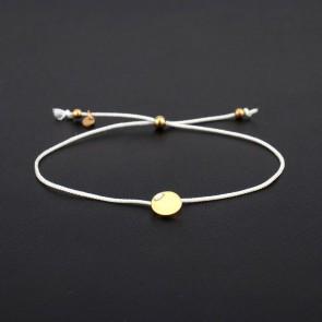 Armband Parma weiß mit rundem Gravurplättchen in Gold