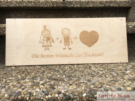 Holzschild zur Hochzeit