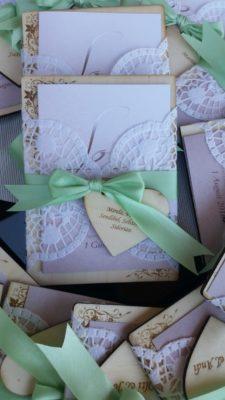 Hochzeitseinladungen aus Holz